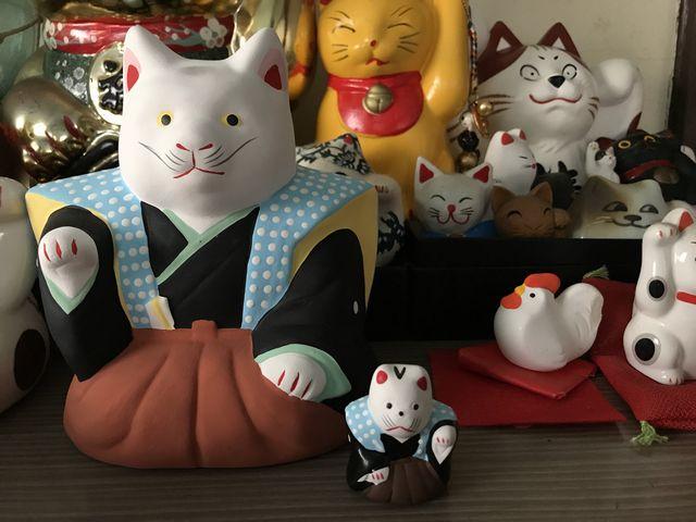 初辰さんの招き猫 中猫