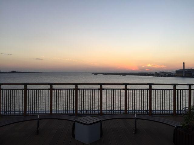 阪神高速道路5号湾岸線 中島パーキングエリアからの夕焼け
