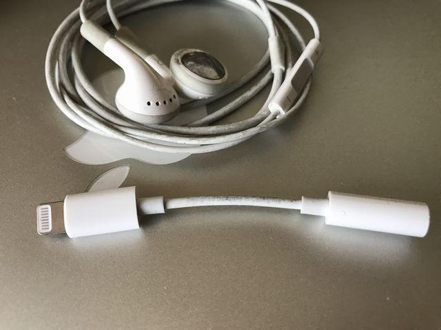 iPhoneの純正イヤホン Apple EarPods アダプタ