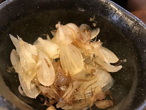 奄美郷土料理のわんとケンムン 島らっきょ塩漬け